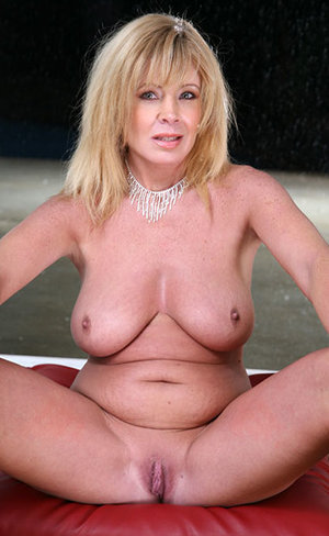 Shaved Pussy Mom Pics