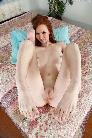 Skinny Shaved Pussy Pics