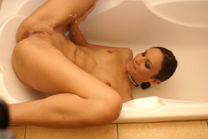 Squirting Shaved Pussy Pics